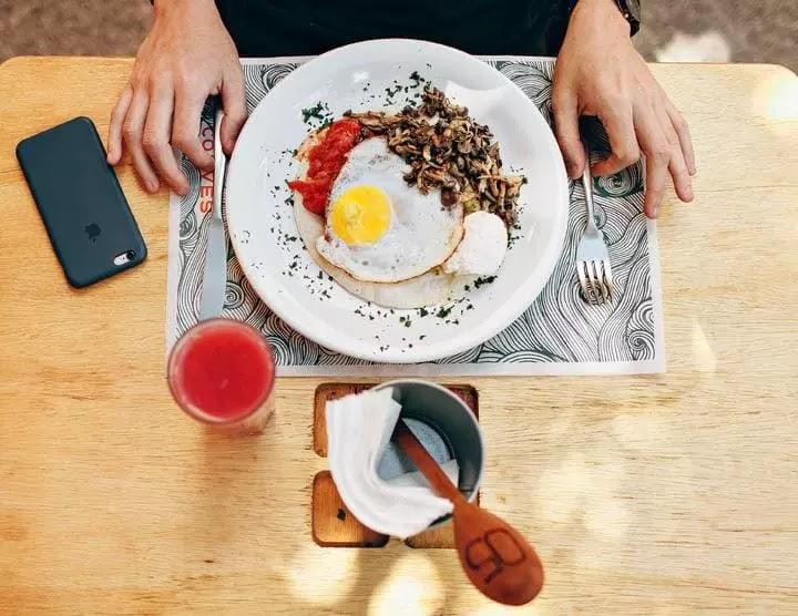 Bagaimana Jika Benar-Benar Makan 50 Telur Seperti di 'Cool Hand Luke'?