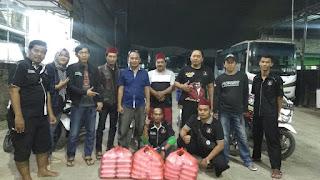 BARY PRIMA FANS CLUB DAN FORSA TAMBUN Berbagi Nasi Di Bulan Ramadhan