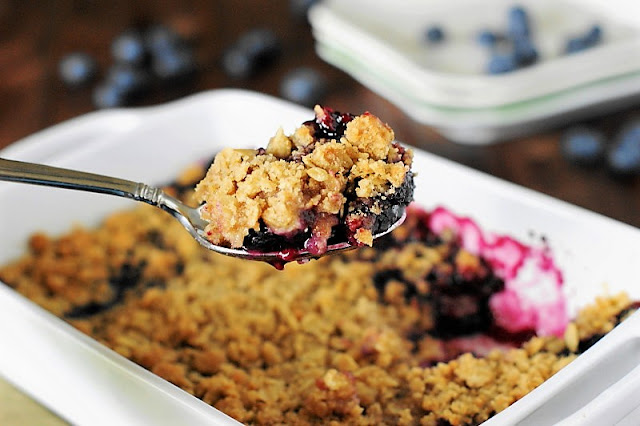 Easy Blueberry Crisp Image