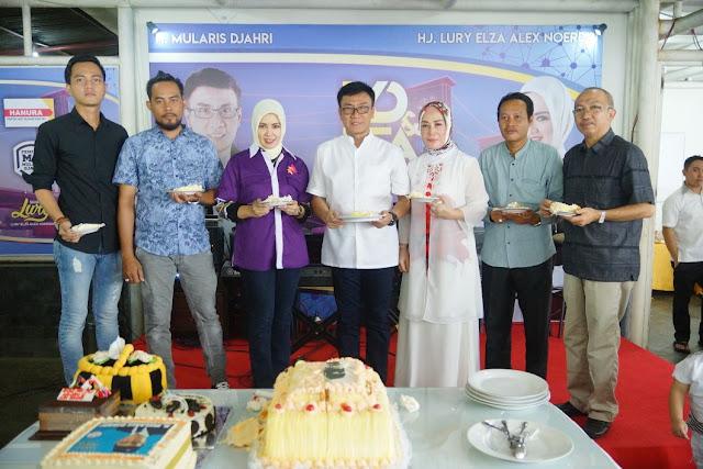 Warga Beri Ucapkan Selamat Kepada Mularis Dan Mendo'akan Agar Jadi Walikota Palembang