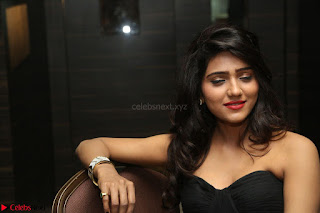 Shalu Chourasiya in spicy Sleeveless Strapless Black Top at O Pilla Nee Valla Movie Audio Launch Feb 2017 008.JPG