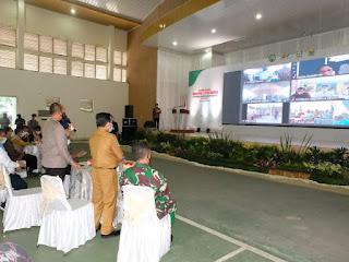 Gubernur Jambi Bersama Kapolda Jambi Menghadiri  Acara Gerakan Nasional Vaksinasi  7 Juta Warga Perkebunan Dan Desa