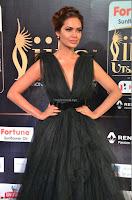 Esha Gupta in a Deep Neck Sleeveless Dark Green Gown at IIFA Utsavam Awards 2017     25.JPG