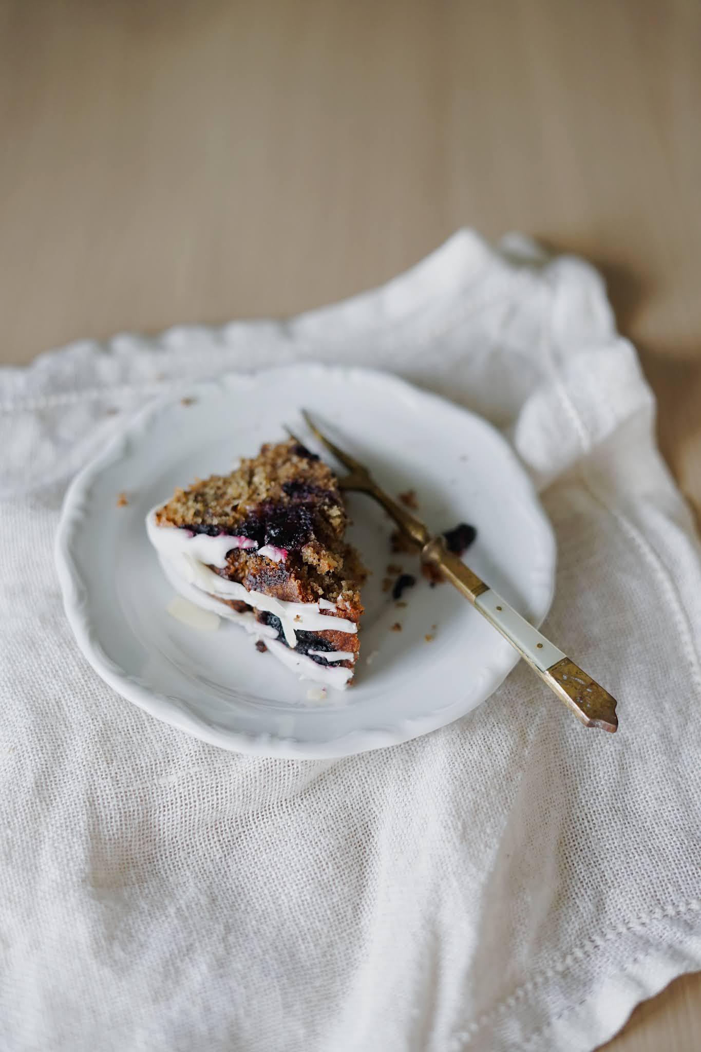 Wilgotne ciasto jagodowe łatwe