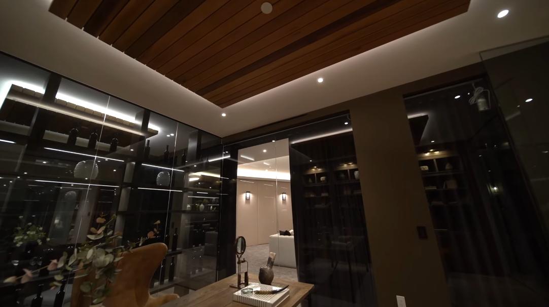 56 Photos vs. 2447 Arbutus Dr, Los Angeles, CA Ultra Luxury Home Tour Interior Design