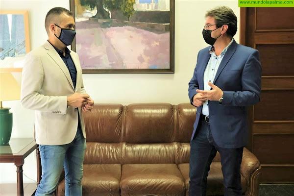 El Cabildo y el Gobierno canario abordan alternativas para mejorar la comercialización de la pitaya en la Península