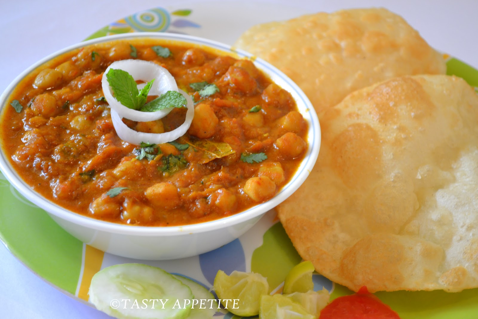 Chole Bhature ~ Indian cooking Recipes, Cuisines of India ...