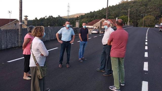 Barro ejecuta un plan de mejora de viales en Valiñas y A Portela