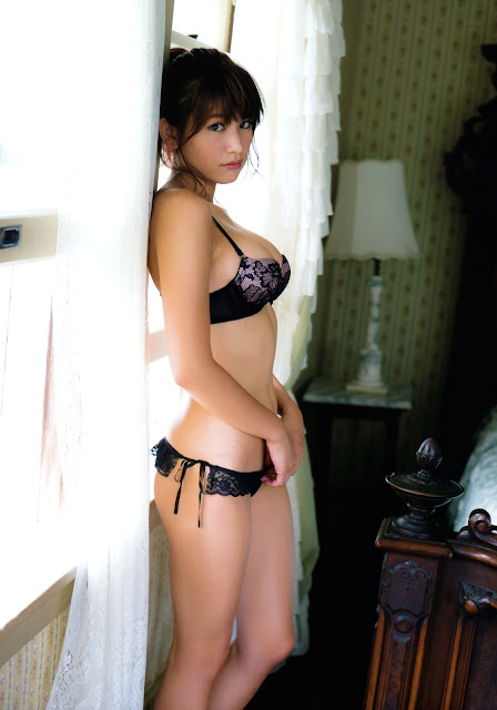 Hisamatsu Ikumi 久松郁実 La iku Photobook 13