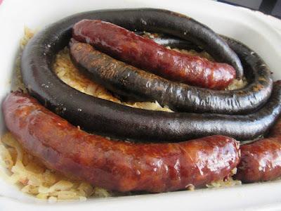 Podvarak s kobasicama / Sauerkraut with sausage