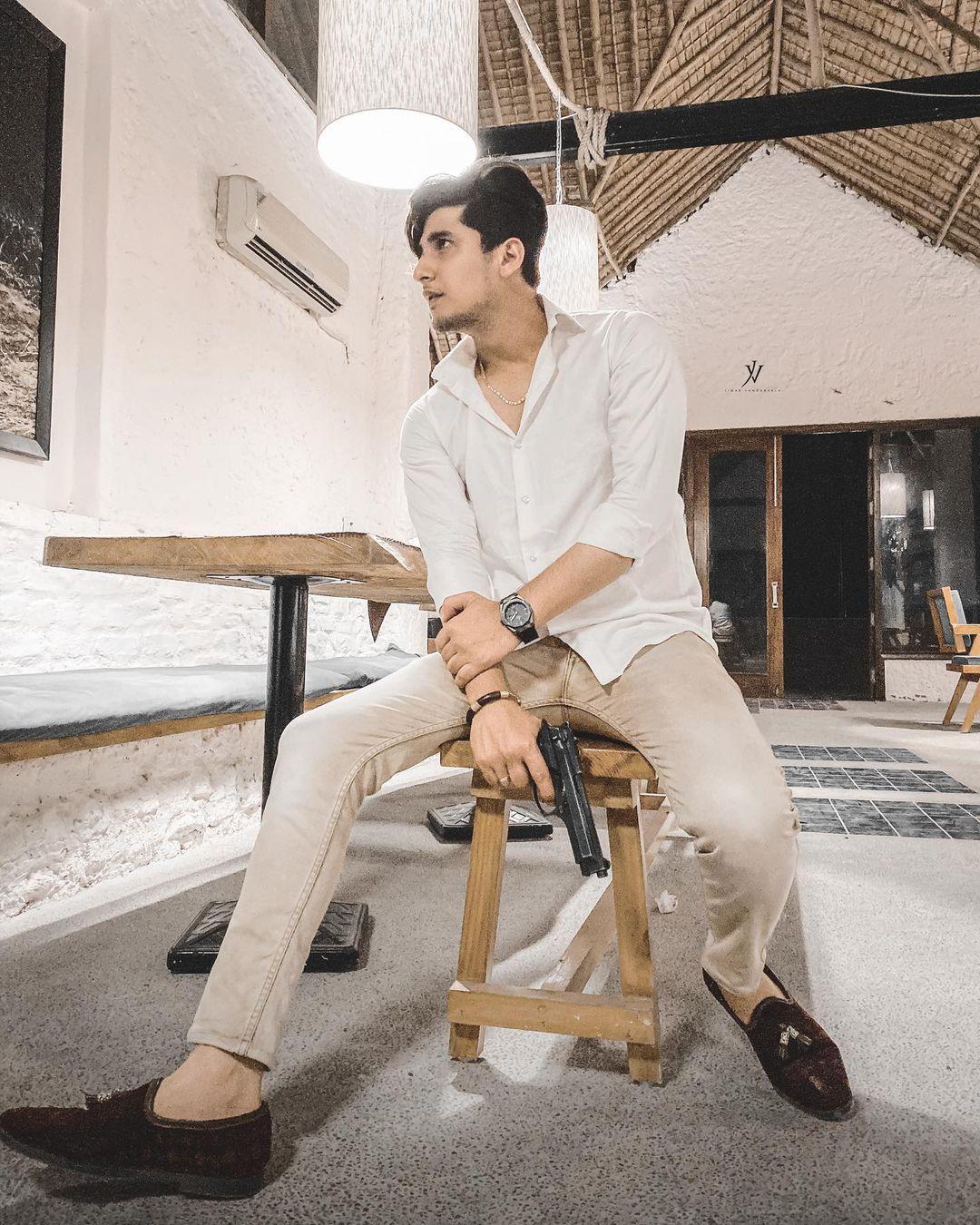 Bhavin Bhanushali gun photoshoot