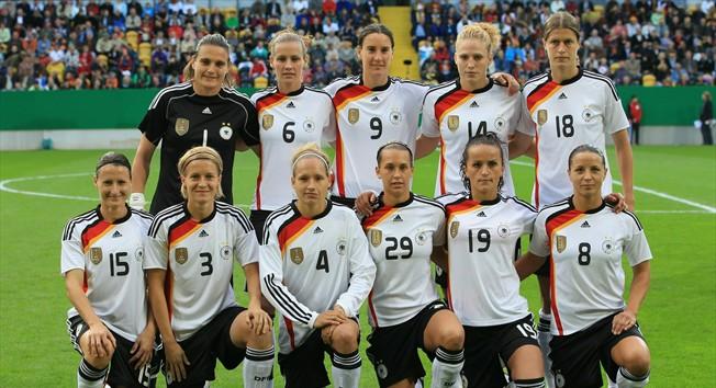 Alemanha  Não há duvidas de que a seleção anfitriã é a equipe a ser batida  na Copa do Mundo Feminina da FIFA 2011. Atual bicampeã mundial 5b1abb6444e8a