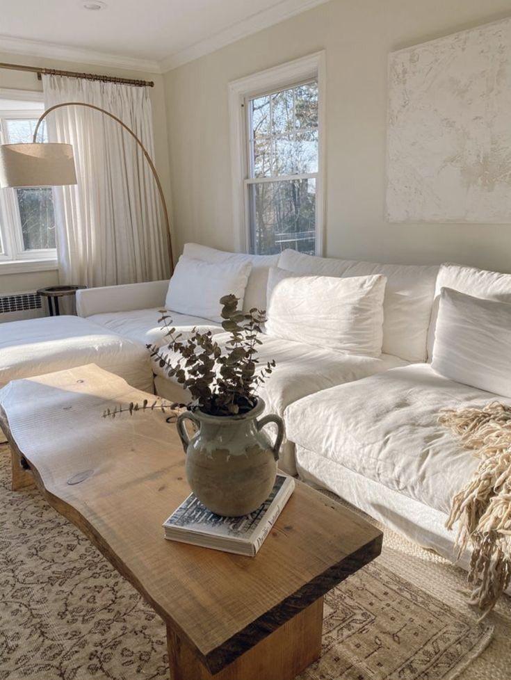 Cat Rumah Minimalis Krem-Putih