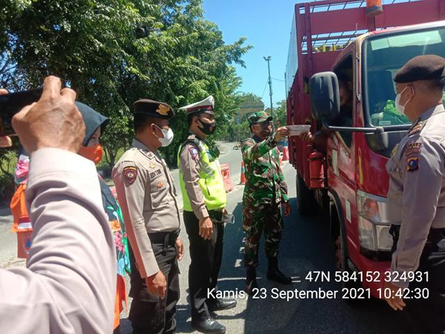 Ops Penyekatan PPKM Dilakukan Personel Jajaran Kodim 0208/Asahan Di Jalan Jenderal Sudirman