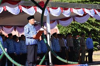 Bupati Lombok Utara Semangati Peserta Harlah Pancasila dengan Memandu Mars Pancasila