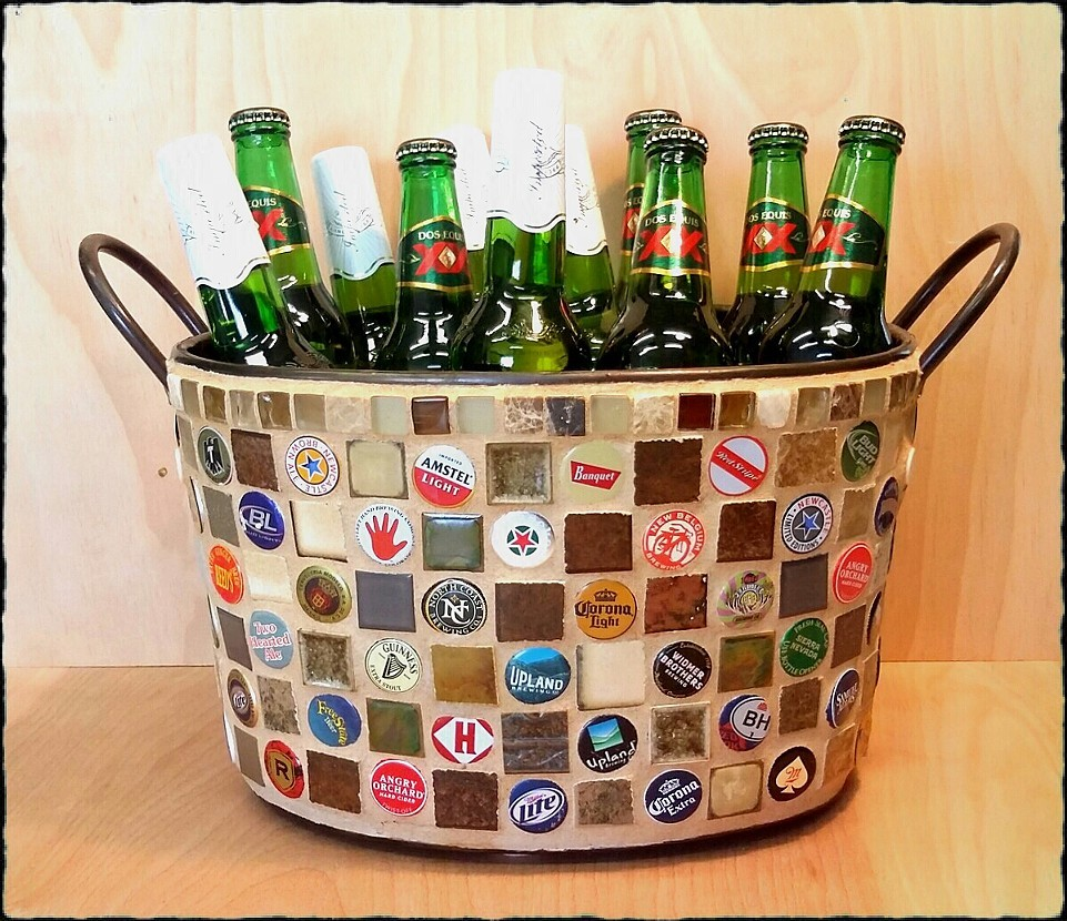 Condo blues 21 unique bottle cap crafts to inspire you for Crafts to do with beer bottle caps