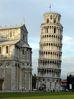 Pisa's Torre Pendente - the leaning tower - is a monument recognised all over the world