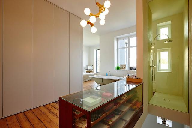 Vintage Möbel und Accessoires in neuem Design Konzept zum Wohnen und Arbeiten