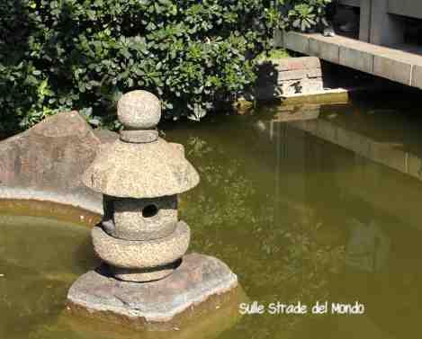 Il laghetto del giardino giapponese di roma