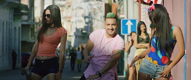Boni y Kelly - ¨Un pasito por América¨ - Videoclip - Dirección: Ernesto Fundora. Portal Del Vídeo Clip Cubano - 08