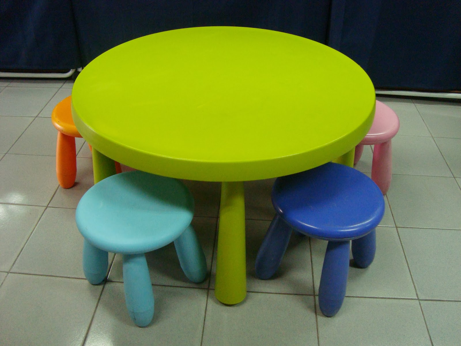 Ikea Childrens Plastic Table And Chairs Luxury Office Kedai Bundle Toys Thetottoys Mammut Round With