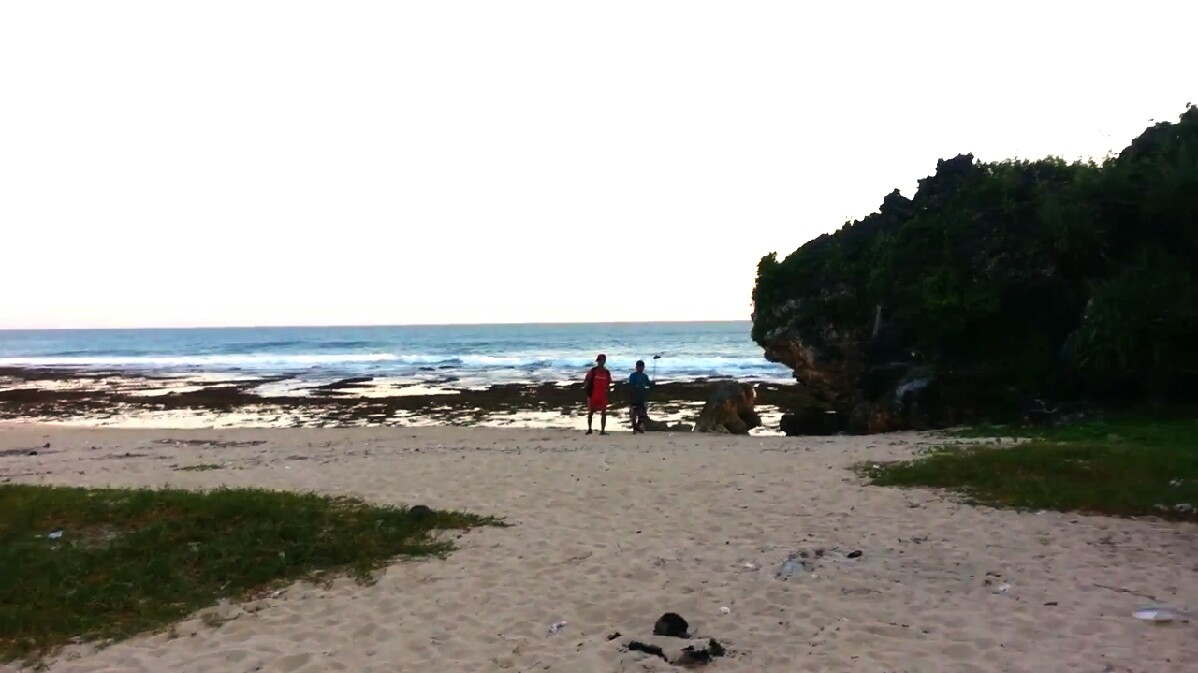 pantai ngrumput