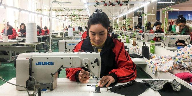 AS Larang Produk Kapas & Tomat dari Xinjiang karena Kerja Paksa Muslim Uighur