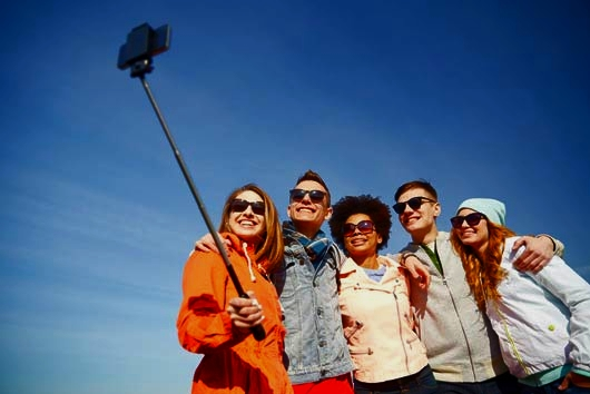In Defense Of The Selfie Stick MainPhoto