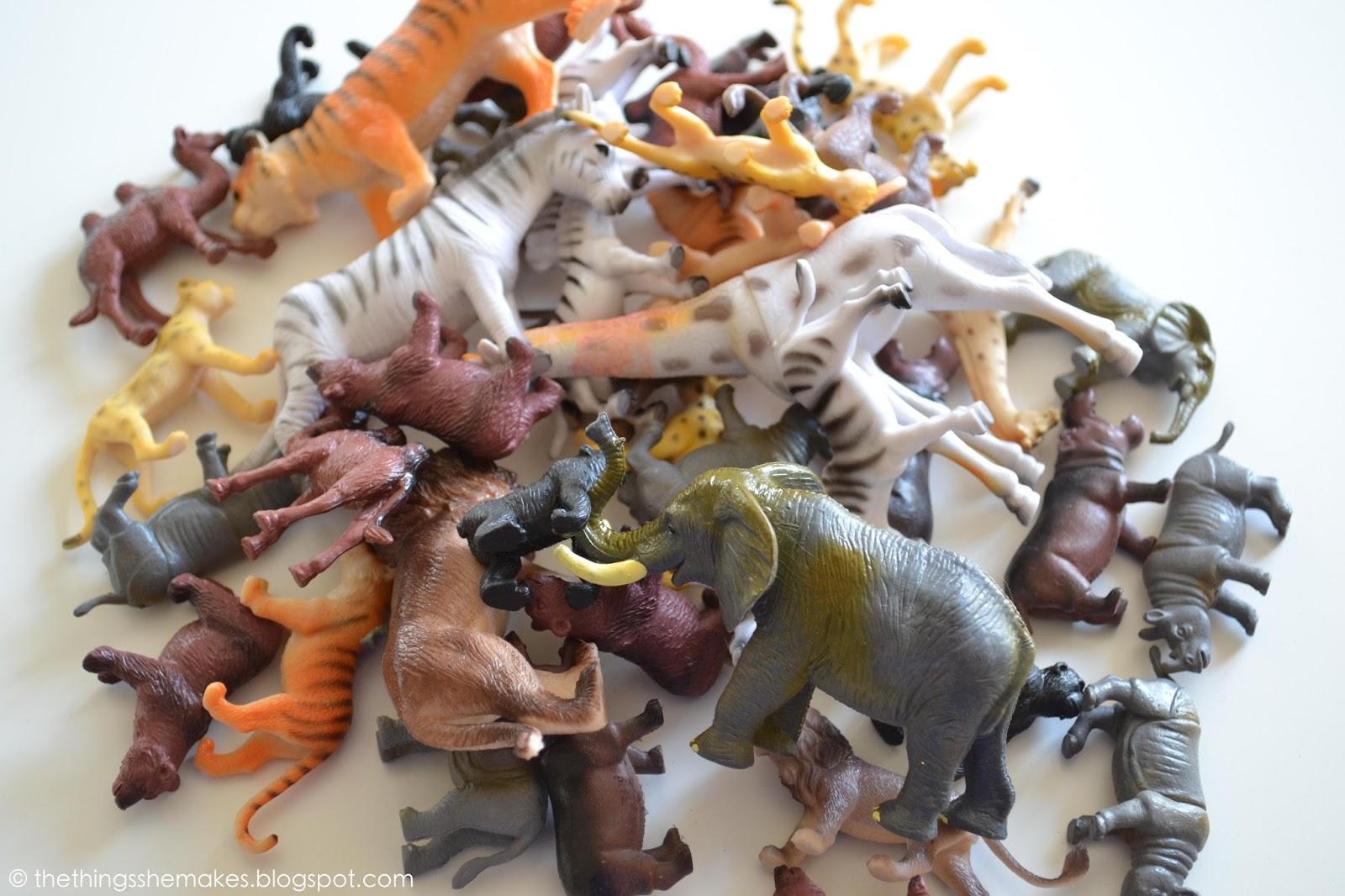 the use of animal figures in Ocean animal figurines - mini animal action figures replicas - miniature ocean,   mantis miniatures 1:35 animal set #17 dogs & puppies resin figure kit .
