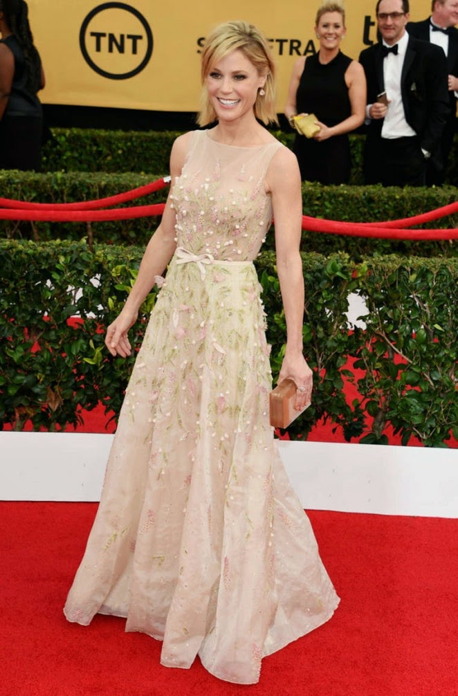 Julie Bowen shines in an embellished dress at the 21st Annual Screen Actors Guild Awards in LA