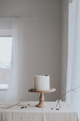 Minimal-White-Studio-Event-Simple-Cake-and-Twigs