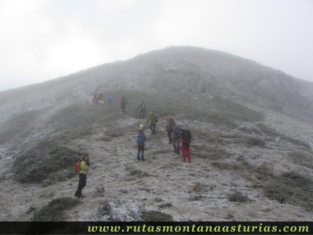 Ruta al Cerro Pedroso: Repecho final al Cerro Pedroso