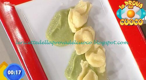 Tortelli alla caciotta su crema di scarola ricetta Bertol da Prova del Cuoco