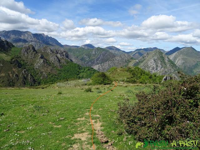 Cierre de ganado próximo al Collado Piedrafita