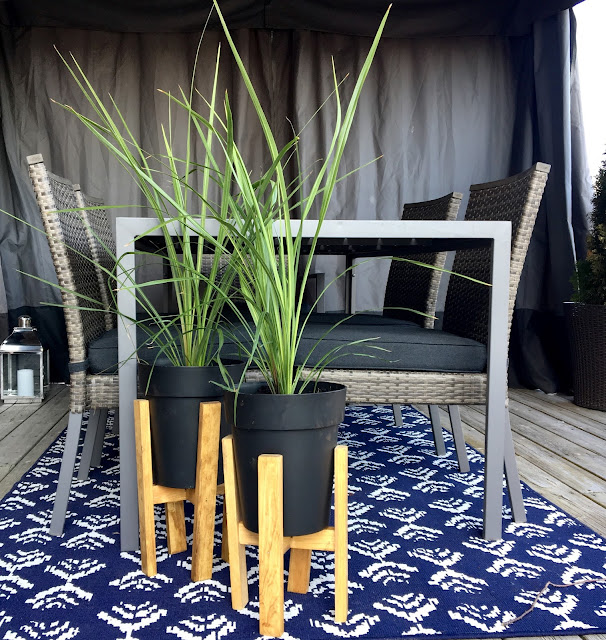 DIY-wooden-plant-stand