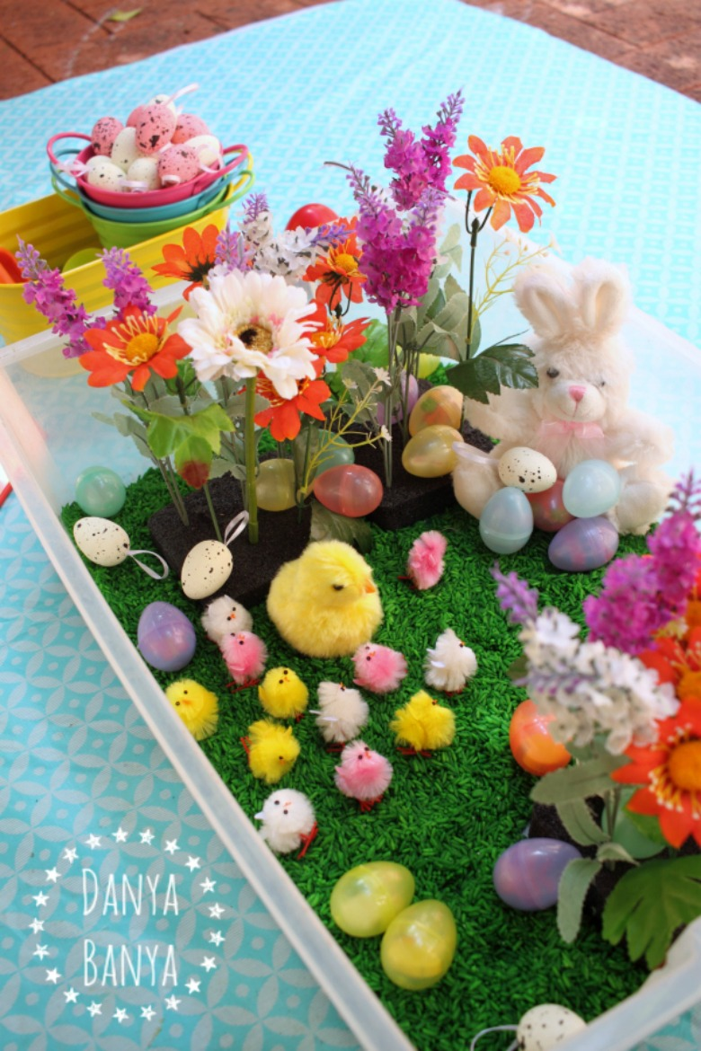 Easter sensory bin - Easter activities for toddlers and preschoolers