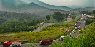 Jalan Lingkar Gentong Menjadi Tempat Istirahat Favorit di Tasikmalaya
