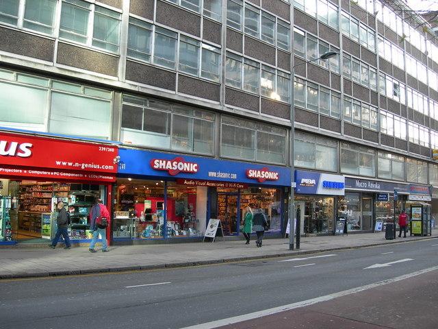 Compras na Tottenham Court Road