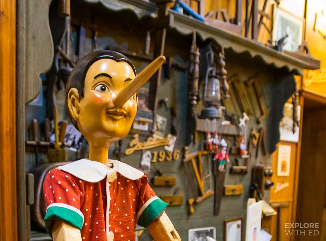 Bartolucci pinocchio in Rome, Wooden clock shop in Rome