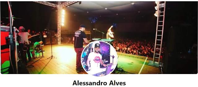 Cantor Alessandro Alves faz live acústica na Conexão Cultural da Secretaria de Cultura do Estado