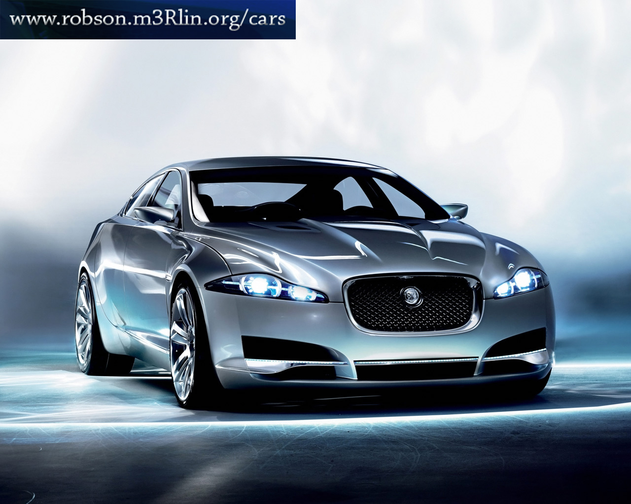 First Jaguar and Land Rover showroom opens in INDIA ~ the savant ...