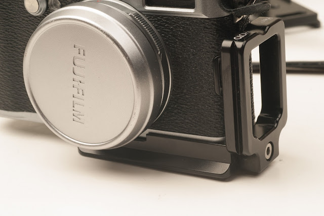 Hejnar PHOTO X100 Modular L Bracket on Fuji X100