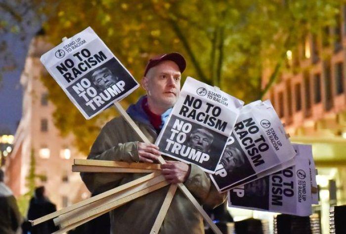 Nafsu Trump Larang Muslim ke AS akan Gagal