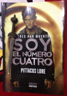 Portada del libro Soy el número cuatro, de Pittacus Lore