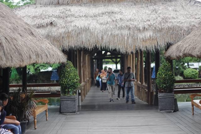 Kampung Laut : Bukan Desa Pinggir Laut
