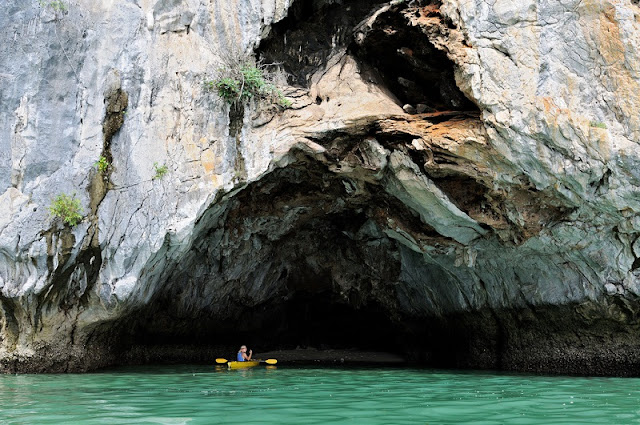 Kayaking through the beautiful Bai Tu Long Bay 2