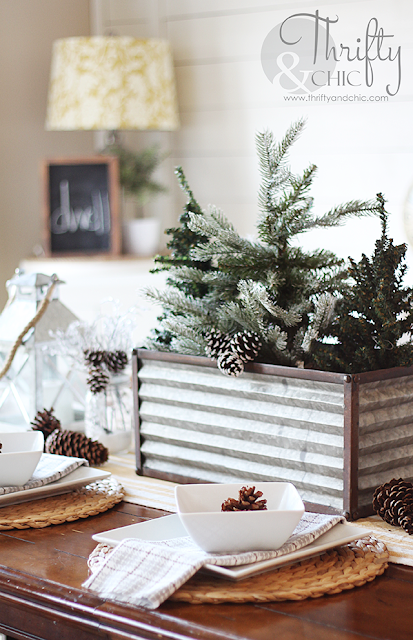 Christmas farmhouse decor and decorating ideas for dining room. Shiplap dining room, fixer upper style dining room