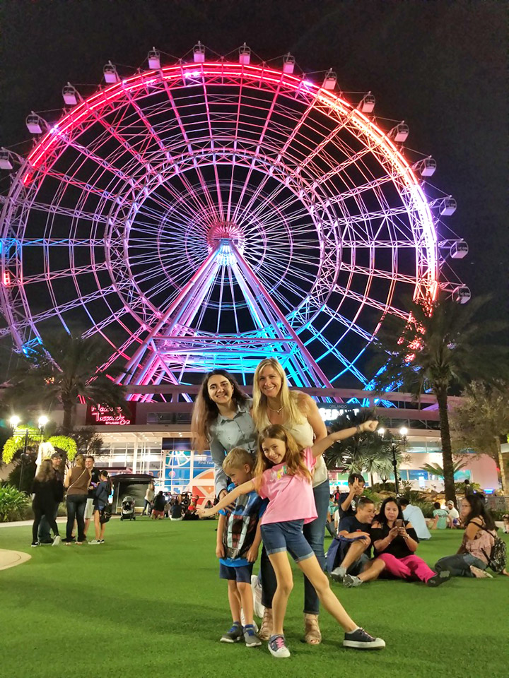 З дружиною і дітьми Ріка Мелеро у Disney World в Орландо