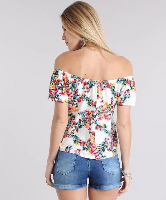 O decote é ombro a ombro conta com elástico embutido e as mangas são curtas. Aposte nessa blusa e arras