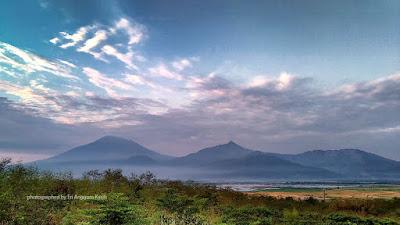 Pemandangan pagi di Banaran 9 Resort ke arah Rawa Pening